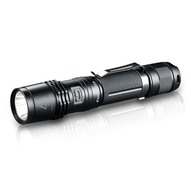 PD35 960 Lumen Flashlight (2014 Edition)